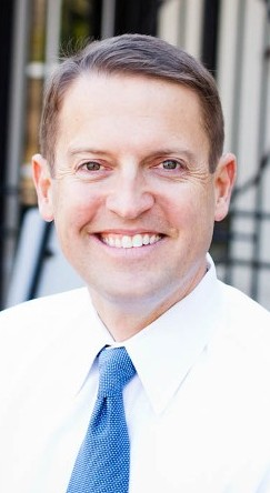 Portrait Style Photo of Dr. Del Shofner